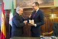 Embajador de EEUU, James Costos, se entrevista con francisco fragoso, alcalde de BAdajoz en el Ayto